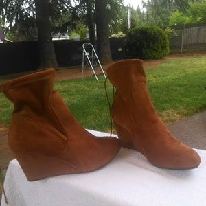 Chinese Laundry Unnie Closed Toe Ankle Boots 8
